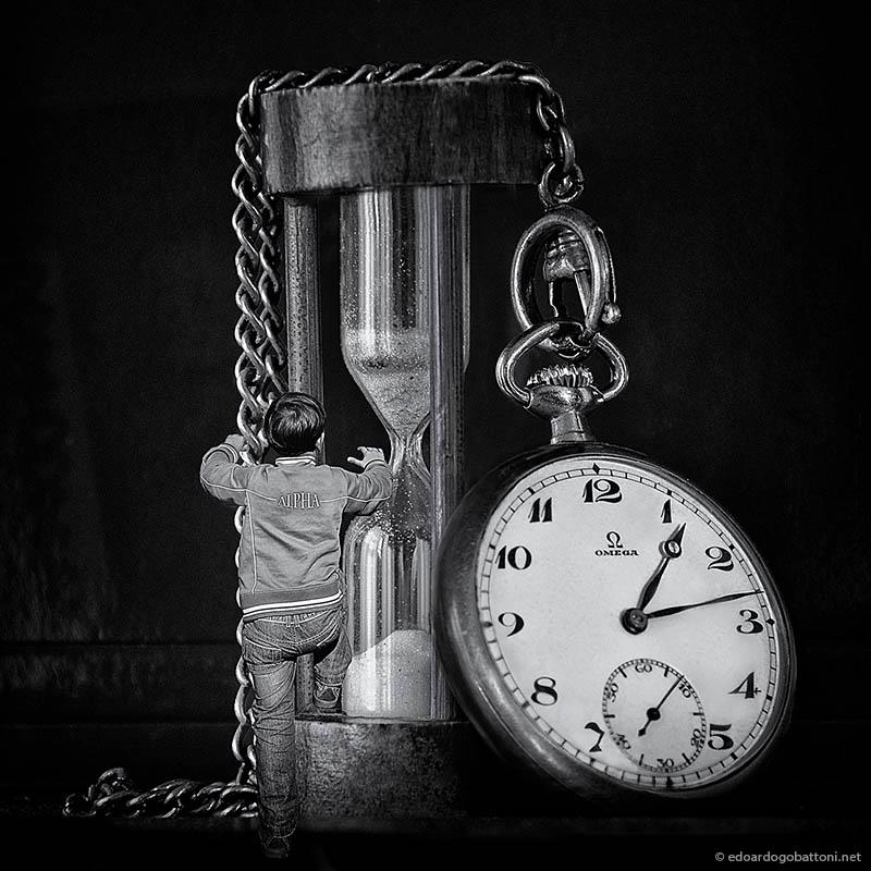 Alpha Omega Hourglass